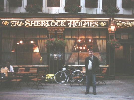 Sherlock Holmes's Pub et Dave